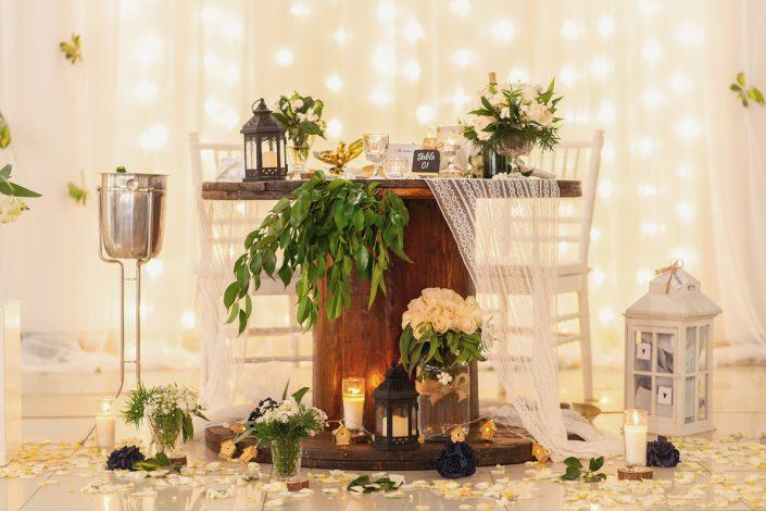 Décoration et table des mariés : Capturer les détails de votre mariage par Tianaina Photographe de mariage professionnel à Madagascar